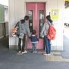 知立はしろ、しろ、しろ、豊田市はあか、あか - 名鉄のえきのエレベーター