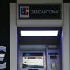 現金取引が一般的なドイツで、現金運搬者がスト