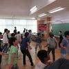 5年生:学習発表会の練習 分かれてダンス