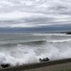 風の強い日は、海が怖くなります