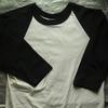 私の古着から「RUSSELL ATHLETIC」ボディのTシャツをご紹介。ラッセル現行タグの無地ラグランTです