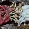 夕飯は蒸し野菜と郷土料理(朴葉味噌+飛騨牛)【熟女の日常】