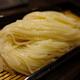 秋田の老舗「佐藤養助」で稲庭うどんの「温」と「冷」、「味くらべ天麩羅付」