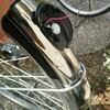 子供の通学用自転車の テールランプ(太陽光で充電タイプ)が壊されてしまったのでDIYで新しいものに交換してみた