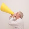 大きな声になる人や叫ぶ人の心理について解説しましょう