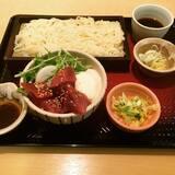 ★★★一本釣り鰹丼と稲庭風うどん[大戸屋]