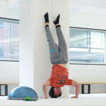 ケイン・コスギが鍛える「ゲームのための筋肉」とは? ゲーム愛あふれる筋トレ術を聞いてきた