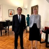 初仕事はドイツ大使館の東西ドイツ統一記念日レセプション