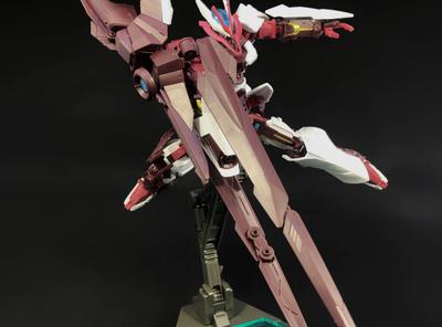 ギミック満載の異色機体「ガンダムアストレイノーネイム」いよいよ発売!!