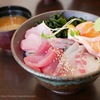 ひびの食堂「鮮度抜群の海鮮丼が美味しい」伏見・白川公園近くでランチするならおすすめ!