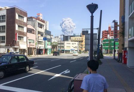 桜島が見える街から東京へ。旅する暮らしで気づいた「街を面白がる方法」