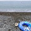 海水浴で綺麗な石拾いに大人も夢中!【新潟県糸魚川市親不知】