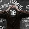 感情のアップダウンが副腎に与える影響