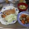 幸運な病のレシピ( 1012 )朝:父の朝食、鮭、イワシ、鶏むねカツ、味噌汁