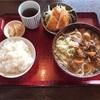 富山県高岡市「風月食堂」で定番のもつうどん定食