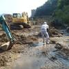 土砂崩れ発生の様子9 土砂撤去 アジサイ