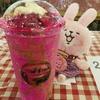 セブのSugbo Mercado(メルカド)で買ったショッキングピンクのドラゴンフルーツフロートのお味は?