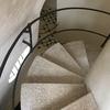 カサバトリョ 螺旋階段を下り、屋根裏階へ