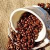 カフェインは持久力を高める 徹夜明けの眠気解消効果は微妙