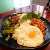 【空心菜館】タイ料理も台湾料理も味わえる(中区本通)