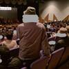 カメラマンのマナー、席で立ち上がって撮りつつづけるのはどうなんだ!@西大寺芸能フェス
