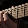 ギターやベース初心者に!上達を助けるYoutube5つを紹介