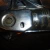 B120 マフラー取り付け穴を加工