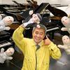 「ピアノ売ってチョォ〜ダイ」CMが大ヒット「タケモトピアノ」はドケチの神様。