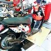 タイヤが突然バースト!@バンコクでバイクのタイヤを交換するには?