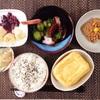 ・揚げ焼き、たこときゅうりの酢の物、小粒納豆、バナナヨーグルト。