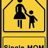 シングルマザー家庭の多くが貧困、という現実について考えてみる
