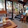 木の温もりを感じられるおしゃれなカフェ。CAFE木と本【佐賀市】