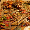 ◆◆◆Kim Jacobs⑥パイキッチン。テーブルの上も吊棚もごちゃごちゃで・・重ね甲斐がありました◆◆◆