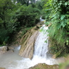 インドの避暑地、リシケシの滝壺「Neer Water Fall」で水遊び