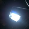 車中泊検証 車内にランタン、ライトをシートに括り付けて使用する方法
