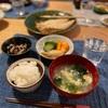 ごはん、サバの干物、ナスとツナの煮たもの、わかめ玉子春雨スープ、ぬか漬け