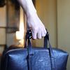 バッグの持ち手を隠して保護する「ハンドルカバー」を試してみた