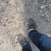 砂利道には底厚の靴を