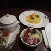 新宿で一番制服が清楚で可愛い喫茶店。