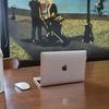 Macbookと吉本新喜劇