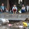 #408 食料分け合い、雨水飲む 被災地なお孤立「泥だらけの家どうすれば」 九州豪雨