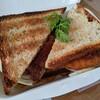 【ランチ】パリッと焼かれたパンとチキンカツがベストマッチ【プラムクリーク】