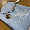テーマカラーはブルー♡「Disney Blue Ever After(ディズニーブルーエバーアフター)」シリーズ~高級感たっぷりのゴールドのブレスレット~