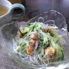 米粉で作った鶏のから揚げのサラダ