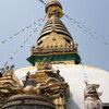 カトマンズ西の丘に建つネパール最古の仏教寺院スワヤンブナート