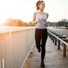 運動と糖質(アスリートの1日の推奨糖質摂取量は、体重1kg当たり8~10g、またエネルギーの60%以上とされる)