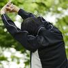 突然の激痛「四十肩」を予防。あなたの肩は大丈夫?