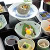 「懐石(会席)料理」を簡単な英語で説明する
