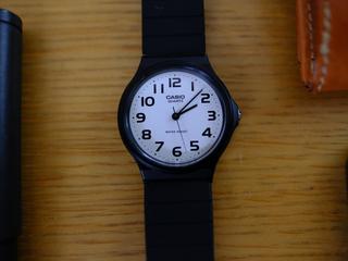 Amazon腕時計のベストセラー チプカシ「CASIO MQ-24-7B2LLJF」を購入