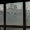 古い窓から見える景色